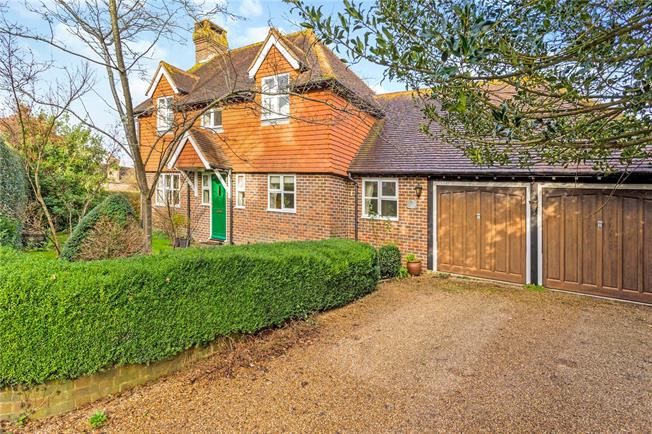 Asking Price £750,000, 4 Bedroom Detached House For Sale in Horsted Keynes, RH17