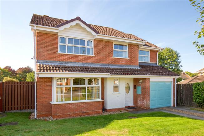 Asking Price £570,000, 6 Bedroom Detached House For Sale in Burgess Hill, RH15