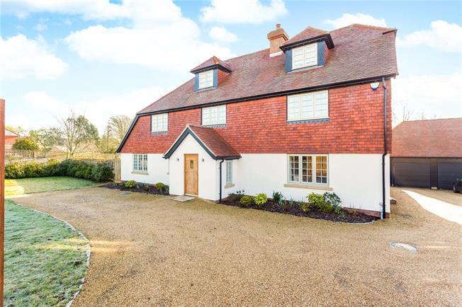 Guide Price £1,650,000, 6 Bedroom Detached House For Sale in Haywards Heath, RH17