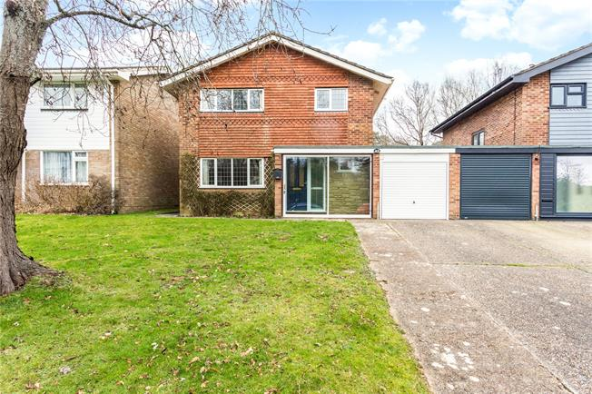 Guide Price £475,000, 3 Bedroom Detached House For Sale in Haywards Heath, RH16