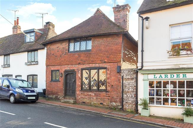 Guide Price £535,000, 3 Bedroom Semi Detached House For Sale in Ditchling, BN6