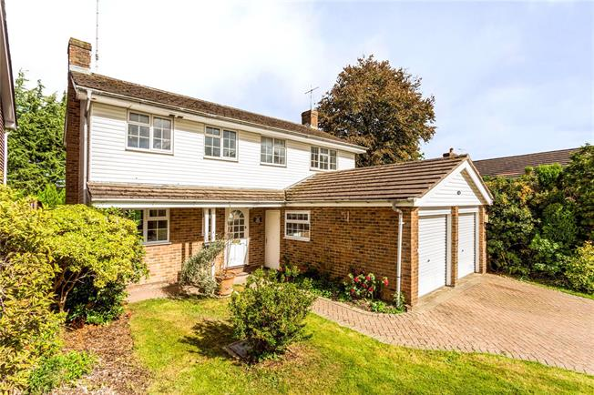 Guide Price £675,000, 4 Bedroom Detached House For Sale in Haywards Heath, RH16