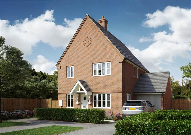 Guide Price £400,000, 4 Bedroom Detached House For Sale in Hailsham, East Sussex, BN27
