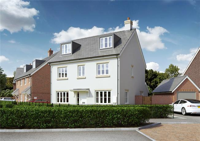Guide Price £490,000, 5 Bedroom Detached House For Sale in Hailsham, East Sussex, BN27