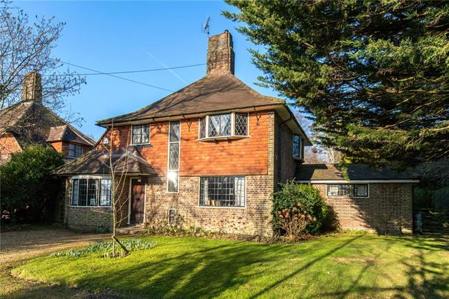 Guide Price £799,950, 4 Bedroom Detached House For Sale in Haywards Heath, West Suss, RH16