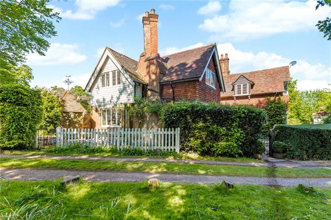 Guide Price £1,595,000, 5 Bedroom Detached House For Sale in Forest Row, RH18