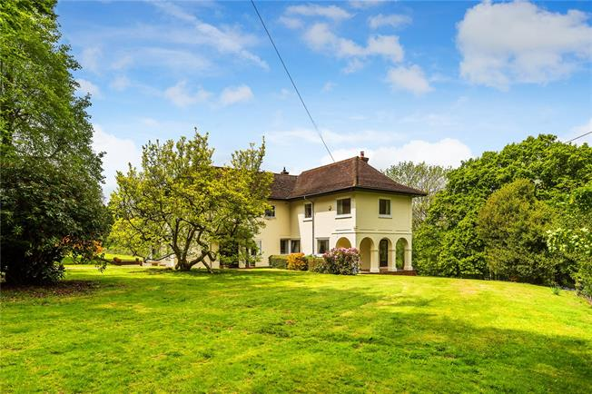 Guide Price £1,395,000, 6 Bedroom Detached House For Sale in Haywards Heath, West Suss, RH17