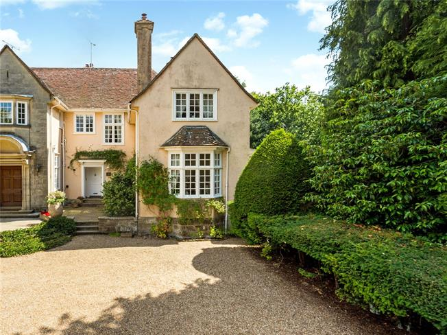 Offers in excess of £895,000, 3 Bedroom Town House For Sale in East Sussex, RH18