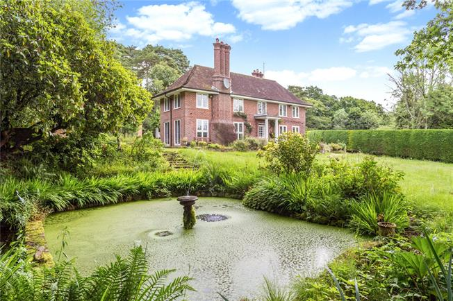 Guide Price £1,000,000, 3 Bedroom Detached House For Sale in Forest Row, RH18