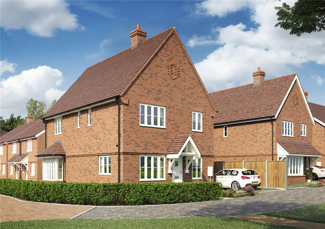 Guide Price £400,000, 4 Bedroom Detached House For Sale in Hailsham, BN27