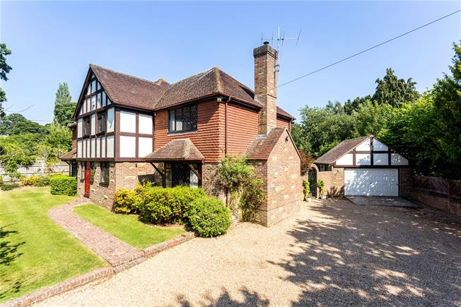 Guide Price £1,150,000, 4 Bedroom Detached House For Sale in Isfield, TN22
