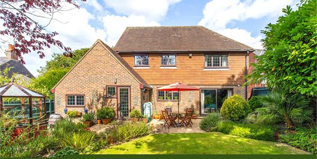 Guide Price £725,000, 4 Bedroom Detached House For Sale in Newick, BN8