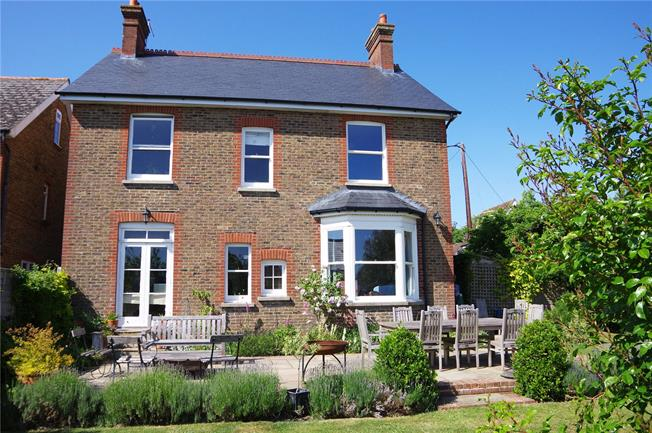 Asking Price £760,000, 4 Bedroom Detached House For Sale in Burgess Hill, RH15
