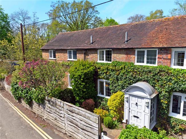 Guide Price £1,200,000, 4 Bedroom Semi Detached House For Sale in Oxfordshire, RG9
