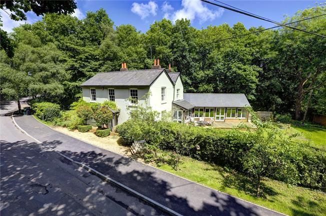 Guide Price £975,000, 4 Bedroom Detached House For Sale in Woodcote, RG8