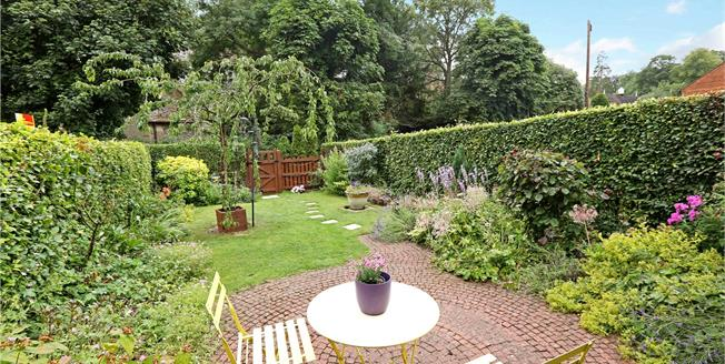 Guide Price £650,000, 3 Bedroom Terraced House For Sale in Turville, RG9