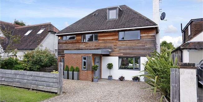 Guide Price £1,350,000, 4 Bedroom Detached House For Sale in Henley-on-Thames, RG9