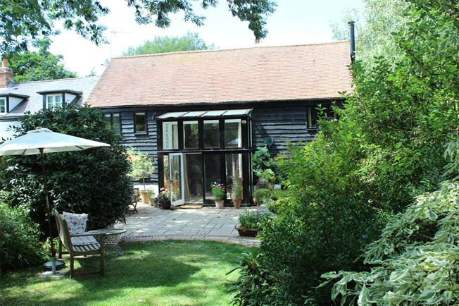Offers in excess of £550,000, 2 Bedroom House For Sale in Ewelme, OX10