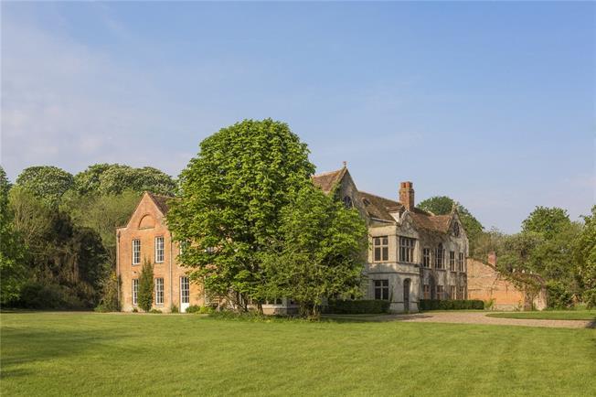 Guide Price £4,950,000, 13 Bedroom Detached House For Sale in Harpsden, RG9