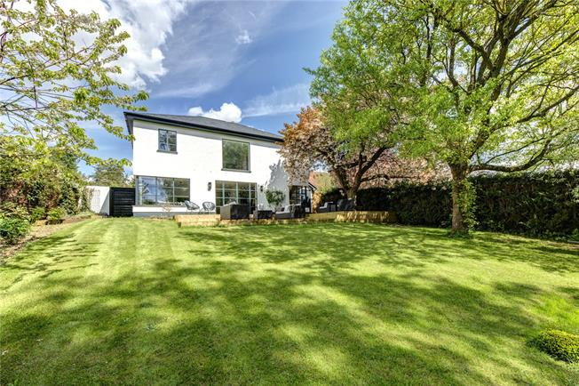 Guide Price £1,250,000, 4 Bedroom Detached House For Sale in Henley-on-Thames, Oxfords, RG9