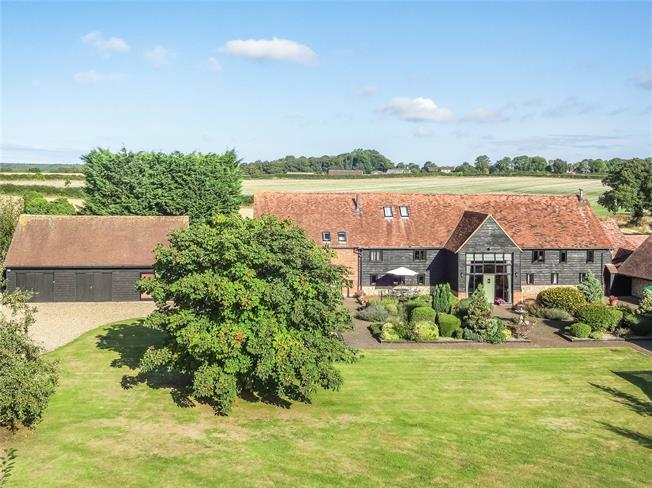 Guide Price £2,500,000, 5 Bedroom House For Sale in Buckinghamshire, RG9