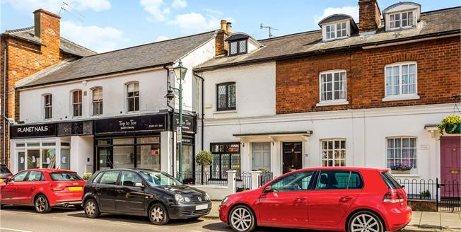 Guide Price £525,000, 3 Bedroom End of Terrace House For Sale in Henley-on-Thames, RG9
