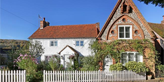 Offers in the region of £1,000,000, 3 Bedroom Detached House For Sale in Oxon, RG9