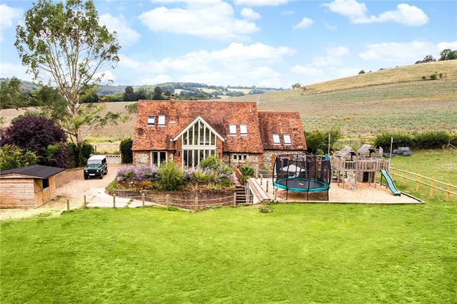 Guide Price £1,750,000, 5 Bedroom Detached House For Sale in Turville, RG9