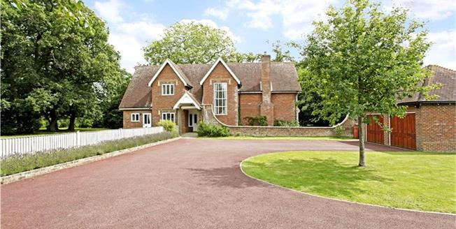 Guide Price £1,175,000, 5 Bedroom Detached House For Sale in Shermanbury, RH13