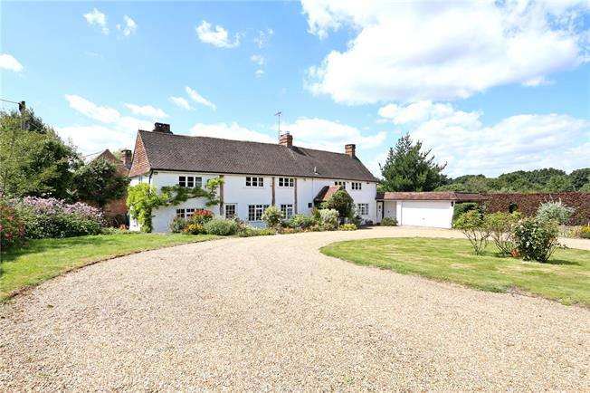 Guide Price £1,250,000, 5 Bedroom Detached House For Sale in Broadbridge Heath, RH12
