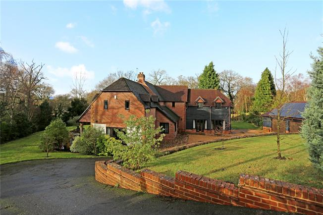 Guide Price £950,000, 5 Bedroom Detached House For Sale in Pulborough, West Sussex, RH20