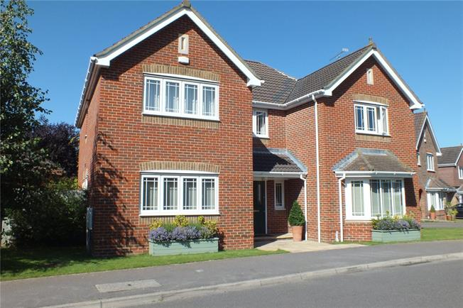 Guide Price £699,950, 5 Bedroom Detached House For Sale in Slinfold, RH13