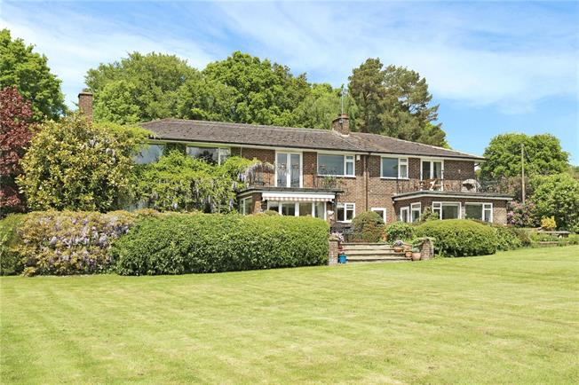 Guide Price £1,250,000, 5 Bedroom Detached House For Sale in Colgate, RH12