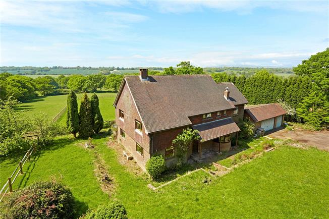 Guide Price £890,000, 5 Bedroom Detached House For Sale in Rusper, RH12