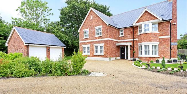 Guide Price £1,045,000, 5 Bedroom Detached House For Sale in Southwater, RH13