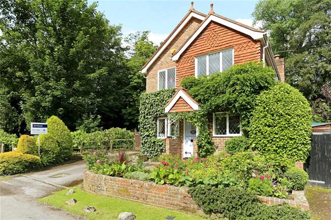 Guide Price £599,950, 3 Bedroom Detached House For Sale in Haywards Heath, West Suss, RH17