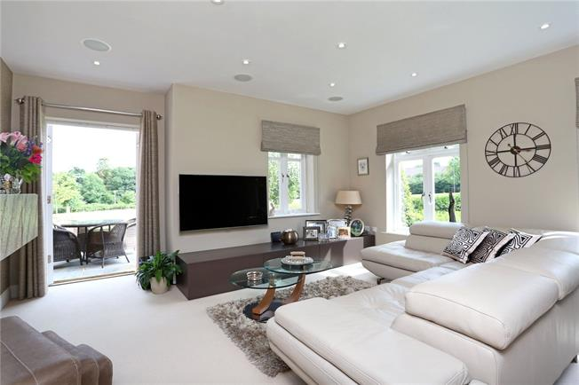 Guide Price £425,000, 2 Bedroom House For Sale in Billingshurst, RH14