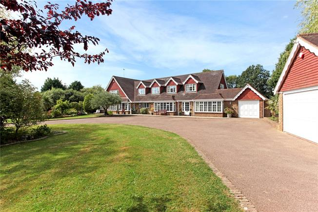 Guide Price £1,990,000, 8 Bedroom Detached House For Sale in West Sussex, RH14