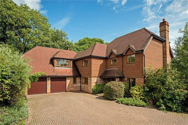 Guide Price £845,000, 5 Bedroom Detached House For Sale in Rusper, RH12