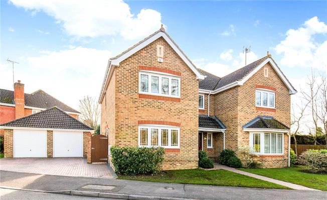 Guide Price £749,950, 5 Bedroom Detached House For Sale in Slinfold, RH13
