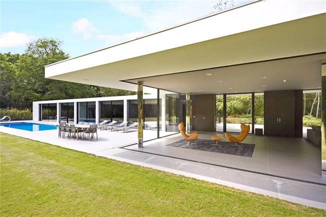 Guide Price £3,500,000, 5 Bedroom Detached House For Sale in Horsham, West Sussex, RH12