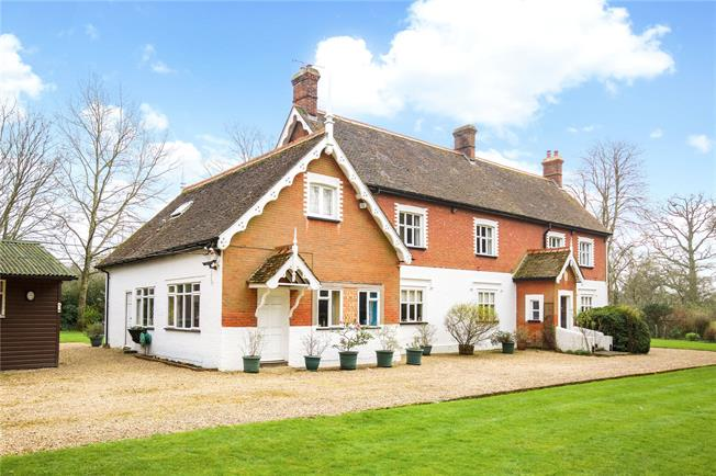 Offers in excess of £850,000, 6 Bedroom Detached House For Sale in Horsham, RH12