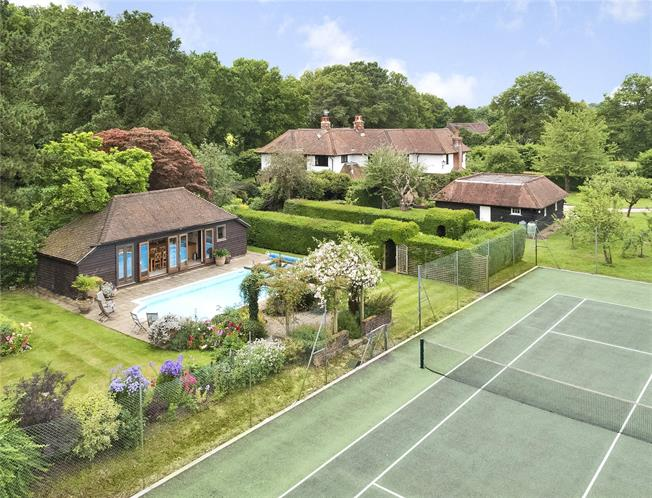 Guide Price £2,300,000, 7 Bedroom Detached House For Sale in Horsham, West Sussex, RH13