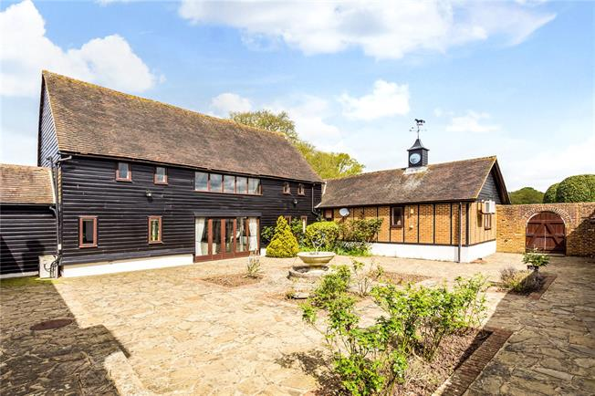 Guide Price £1,100,000, 5 Bedroom Detached House For Sale in Itchingfield, RH13