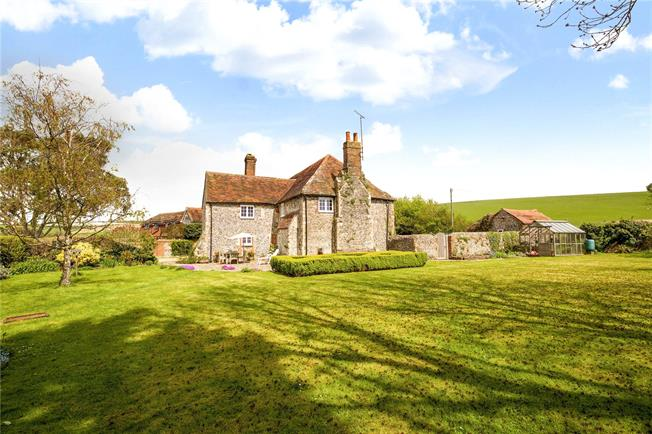 Guide Price £1,100,000, 4 Bedroom Detached House For Sale in Shoreham-by-Sea, BN43