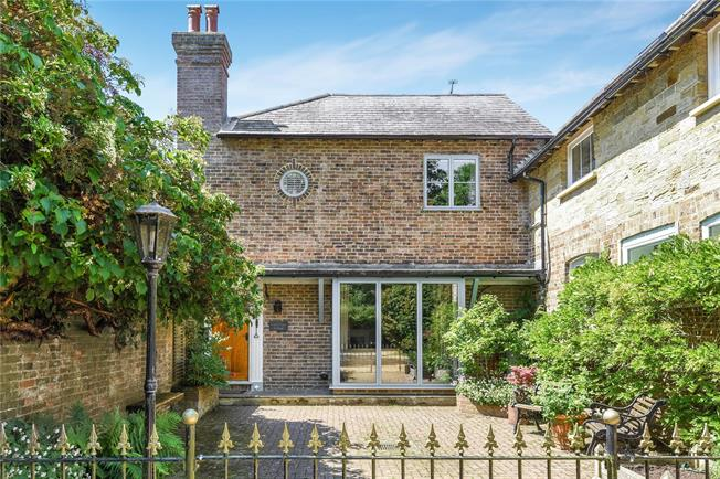 Guide Price £399,950, 2 Bedroom Semi Detached House For Sale in Bolney, RH17