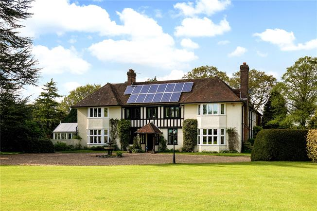 Guide Price £1,650,000, 7 Bedroom Detached House For Sale in Pease Pottage, RH11