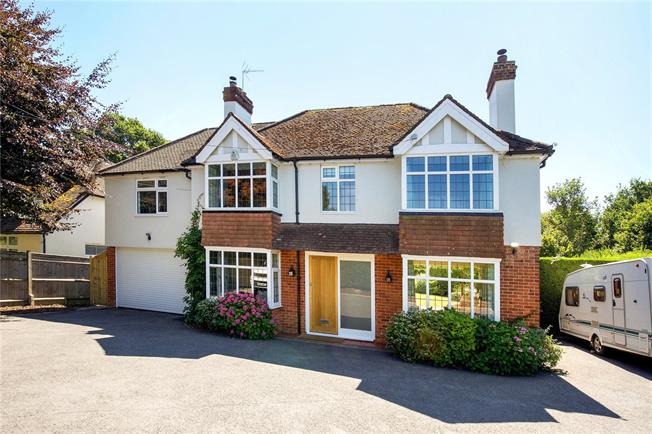 Guide Price £740,000, 4 Bedroom Detached House For Sale in Haywards Heath, West Suss, RH17