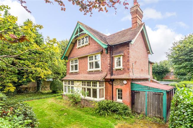 Offers in excess of £950,000, 6 Bedroom Detached House For Sale in Horsham, RH12