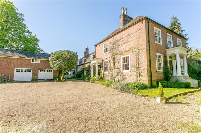 Guide Price £1,850,000, 6 Bedroom Detached House For Sale in Horsham, West Sussex, RH13